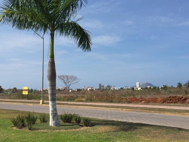 lotes 3 y 4 avenida Del Delfin