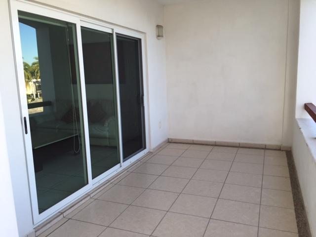 Condominio Tenerife en Fracc El Cid en Calle Santa Gadea con Circuito Don Julio Berdegue 402
